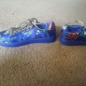 Groovy shoes
